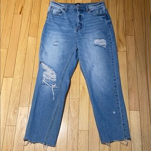 Woman's BDG Ripped Straight Leg Denim Jeans 29